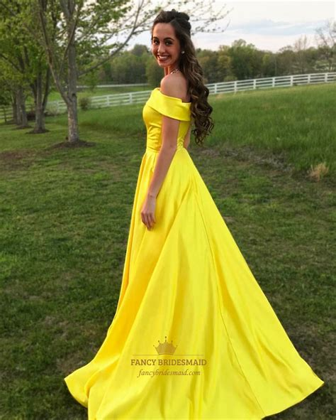 yellow the shoulder sleeveless satin prom dress with