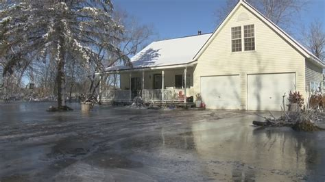 oconto flooding turns  ice ruining homes   river