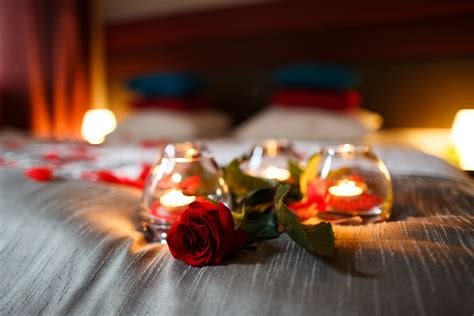 how to plan a romantic night in the bedroom esposa how to plan a romantic wedding night