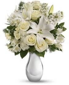 Vase Wholesale Uk Shimmering White