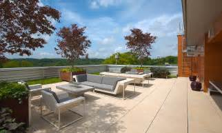 Rooftop Patio Design by Liveroof 174 Green Roof Brings Natural Beauty To The Rooftop