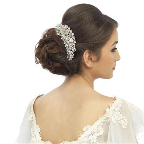 Wedding Hair Accessories Dublin by 33 Hair Accessories For Brides Weddingsonline