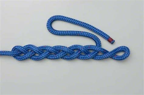 Two String Knots - braiding with single strand