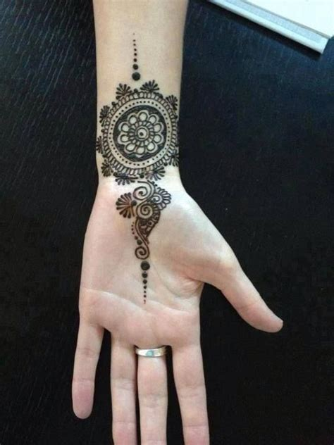 henna tattoo hand hannover 17 best ideas about wrist henna on henna