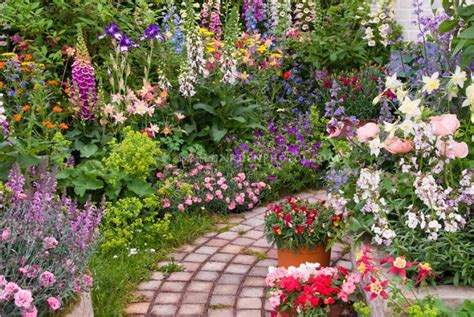 You To See Flower Garden 15 Flower Pathway For Lively Garden That You Must See Today