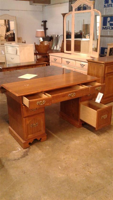 Broyhill Computer Desk Oak Broyhill Desk Delmarva Furniture Consignment