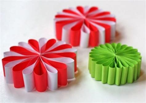 Paper Craft Ornaments - simple paper flower ornaments allfreechristmascrafts