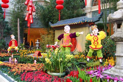 new year garden bellagio new year 2014 display gets its bloom on