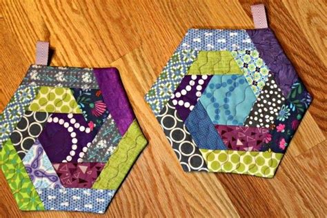 Three More Inspiring Patchwork Projects Sewcanshe Free - a quilter s table log cabin hexi potholders pattern by
