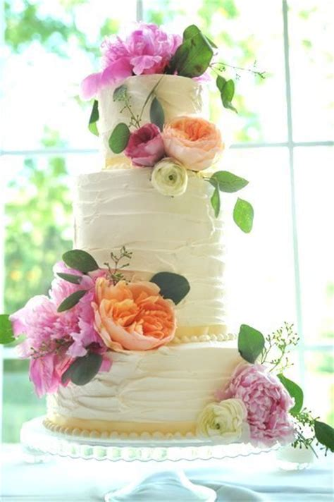 hy vee to the rescue grocery store wedding flowers and wedding cake and then we saved