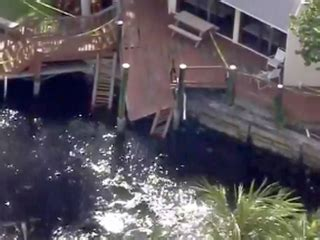 boat show boca raton 2017 boca raton dock collapse sends 13 people into the water