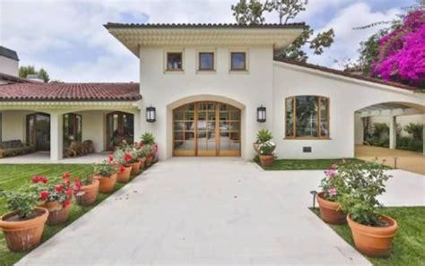 imu prima casa residenza diversa dei vip bruce willis mette in vendita la sua villa