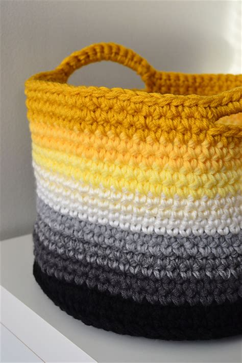 crochet in color ombre basket pattern