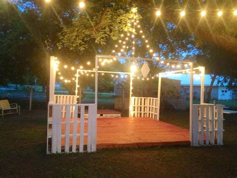 Backyard Wedding Floor by Backyard Wedding On A Budget Best Photos Wedding Ideas