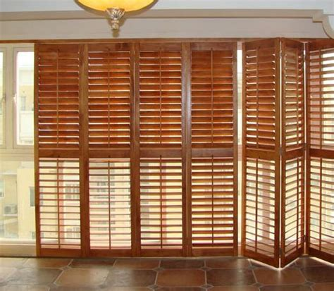 Stained Plantation Exterior Decorative Adjustable Louver Exterior Shutter Doors