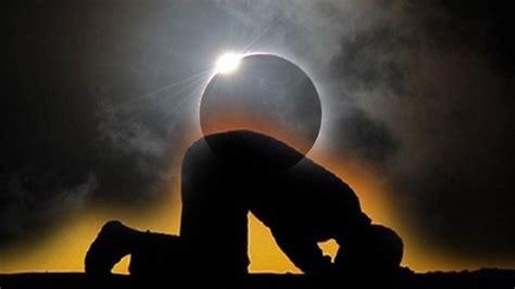 tutorial shalat gerhana matahari tata cara dan niat sholat gerhana bulan dan matahari