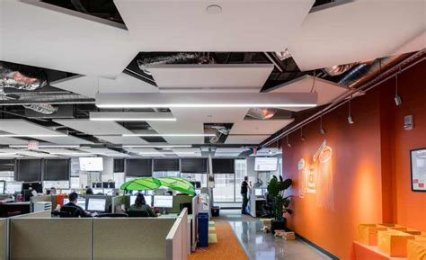 ceiling system enhances open office design