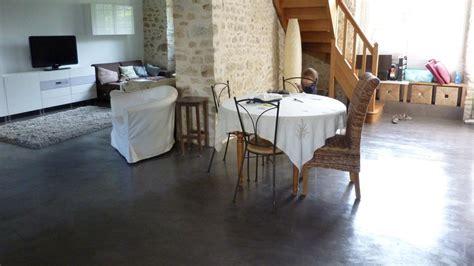 Impressionnant Salle De Bain Chaleureuse #4: size_3_sol-enduit-decoratif-beton-cire-lesbetonsdeclara-renover-interieur-grace-au-beton-cire-maison-moderne-contemporaine-ile-de-france-picardie-region-centre.jpg
