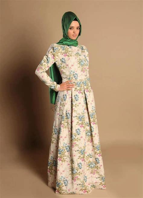 Batik Terbaru Paling Laris 19 koleksi dress batik muslim paling laris gambar busana