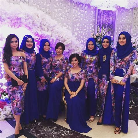 Baju Bridesmaid Biru pemilihan warna baju bridesmaids