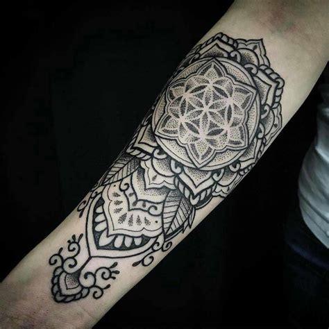 tattoos de mandalas con significados profundos y personales