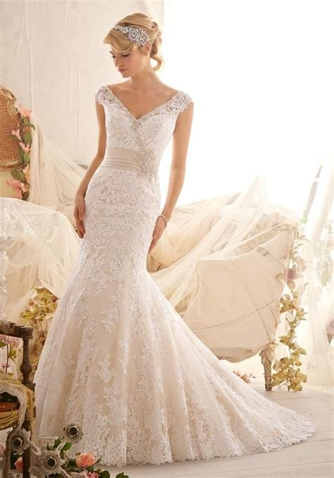 2016 wedding dress trends spring 2016 spring summer wedding dress trends dipped in lace