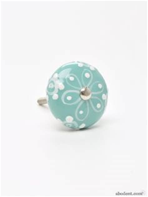 Pretty Drawer Knobs by 1000 Images About Cupboard Knobs On Cupboard