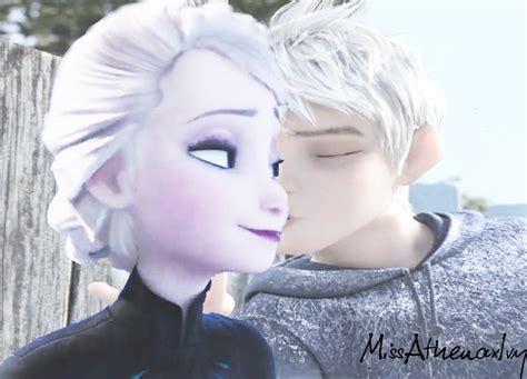 imagenes de jack frost y elsa besandose snowy kisses by azazelivylynn