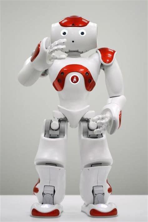 impiegato di banca giappone nao il primo robot quot impiegato di banca