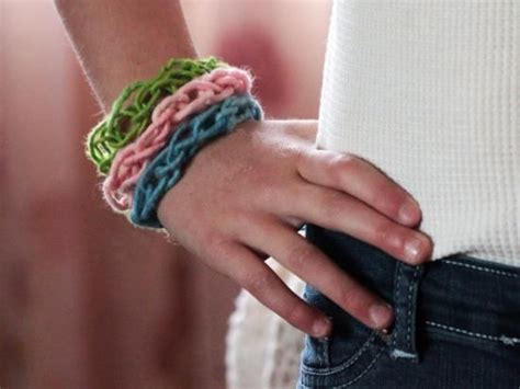 finger knitting ideas finger knitting may seem complicated at but after