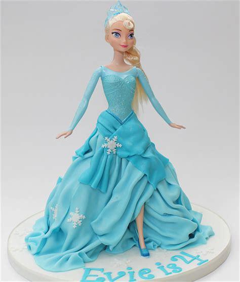 comelnyercupcake barbie doll cakes princess hannah princess elsa doll cake inspired by many similar cakes