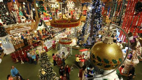 bronner s christmas wonderland michigan