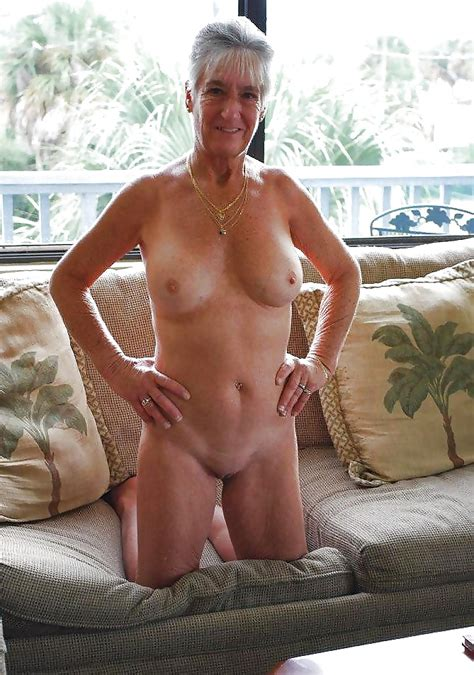 Sensual Naked Moms And Hot Gilfs For The Internet
