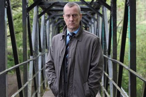 dci banks news at stephen tompkinson on and his new