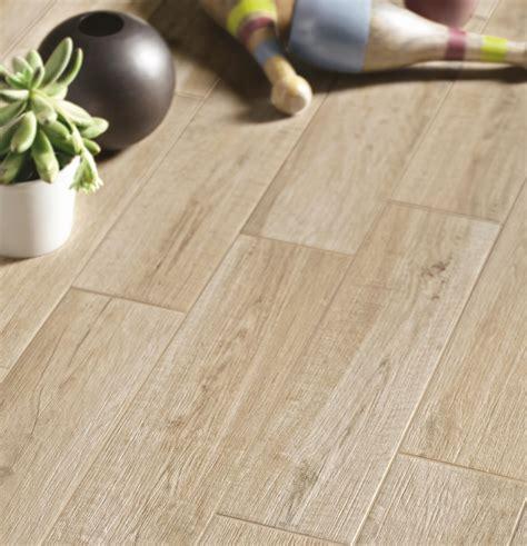 piastrelle casa collezione freetime gres effetto legno per tutta la casa