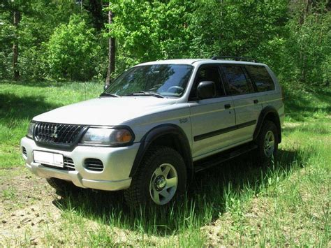 mitsubishi montero sport 2002 2002 mitsubishi montero sport information and photos