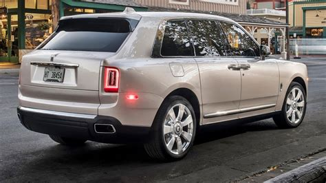 rolls royce cullinan  worlds  expensive suv