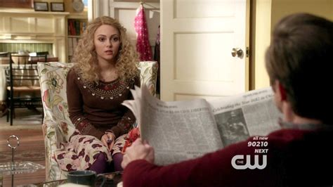 Sweater Chs 2warna annasophia robb crewneck sweater the carrie diaries