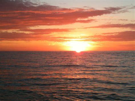 coucher de soleil file coucher de soleil plage jpg wikimedia commons