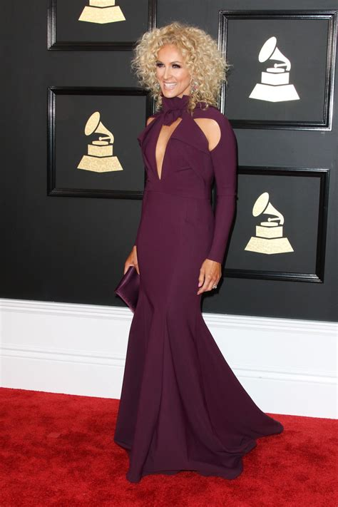 kimberly schlapman kimberly schlapman at 59th annual grammy awards in los