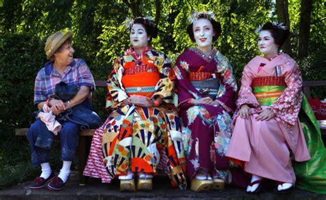 Thousands Enjoy Taste Of Japan At Garden Festival News Japanese Festival Missouri Botanical Garden