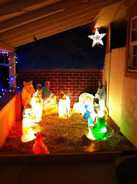Outdoor Lighted Nativity by 17 Wonderful Lighted Outdoor Nativity Pic