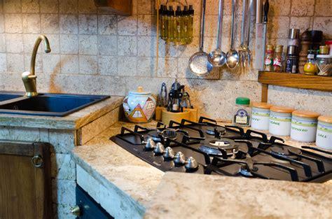 mosaico cucina piastrelle mosaico per decorare la cucina mosaici bagno by pietre