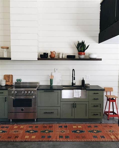 olive green kitchen cabinets 25 best ideas about olive green kitchen on