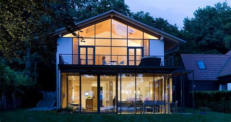 Haus Mit Glasfront by Gira E22 Schalterprogramm Gira Referenzen Wohnhaus Am See