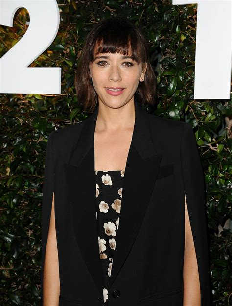 rashida jones s two great coats lainey gossip lifestyle