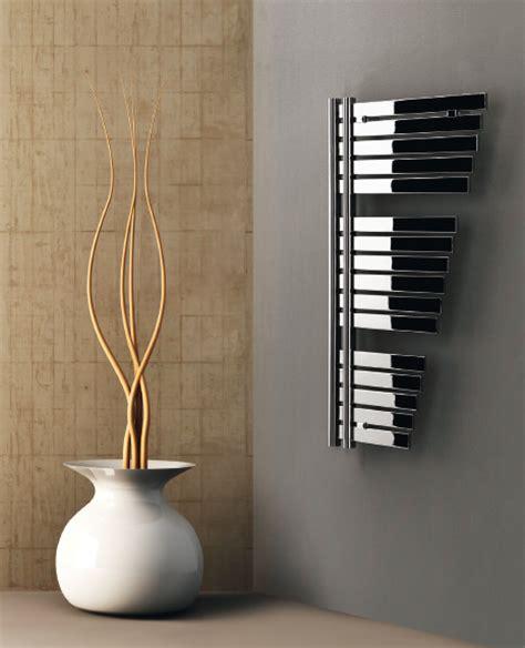 radiatore da bagno radiatore da bagno quot randa quot bianco decorative