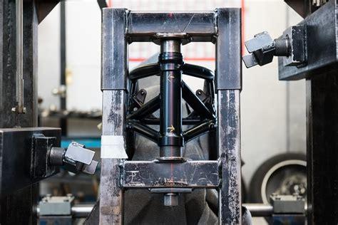 Motorrad Gabel Standrohr Richten by Richten Reparatur Von Rahmen Gabel Felge Bremsscheibe