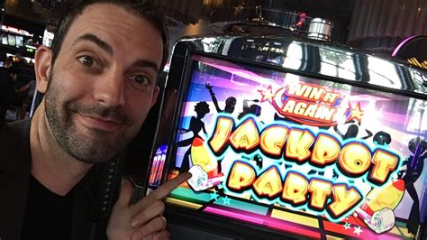 gambling  las vegas slot machines  brian