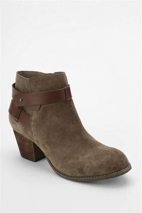 dolce vita ankle boots outfitters dolce vita jackson ankle boot in beige